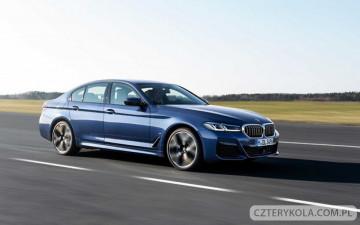 """Premiera nowej BMW 5 Serii. Zobacz jak będzie wyglądać """"piątka"""" w 2021 roku."""