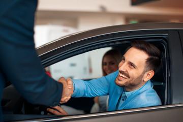 Jakie formalności trzeba załatwić po sprzedaży samochodu?