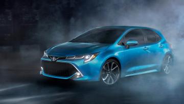 Toyota Corolla jest najlepiej sprzedawanym samochodem w 2019. Czy warto więc kupować Corolle?