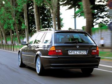 Wybieramy używany BMW 3 series e 46. Na co zwracamy uwagę?