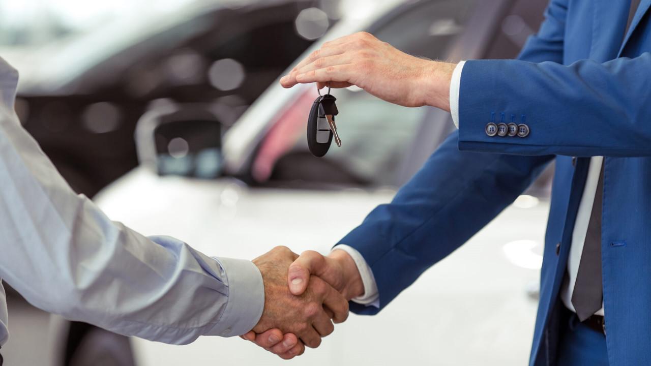 wystawic duzo samochodow na sprzedaz