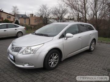 Toyota-Avensis-2011