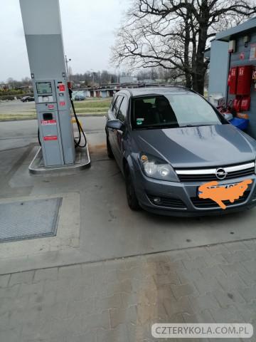 Opel-Astra-2007